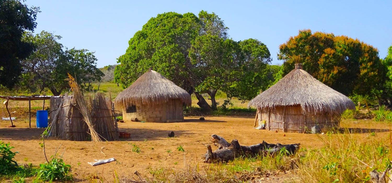 pic-mozambique-09-macutihuts